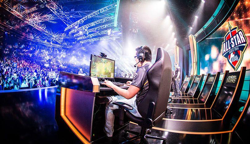 Var tredje svensk anser att e-sport är en idrott