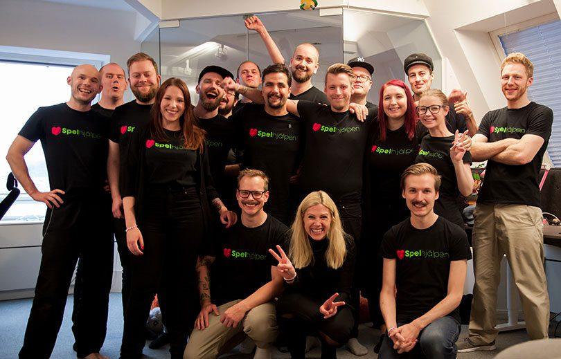 Spelhjälpen samlade in över 100 000 kronor till Ung Cancer