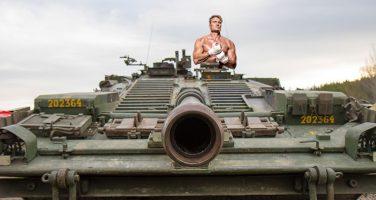 Dolph Lundgren nominerade sig själv till Tankbassador