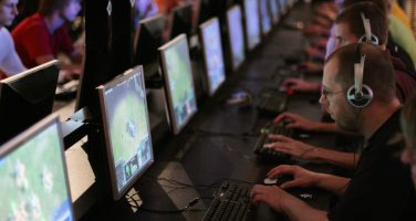 Historien bakom onlinespel