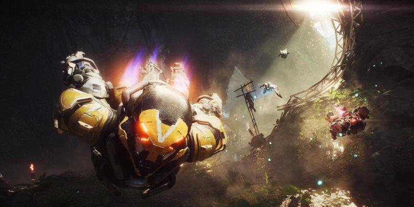 Javeliner i Anthem som flyger genom en övervuxen ruin.
